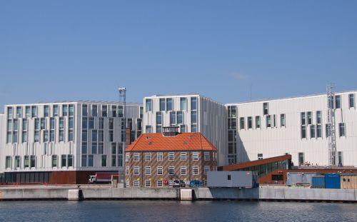 un building old