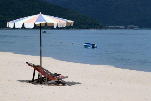 skėtis, kėdė, papludimys, skėtinė kėdė paplūdimyje