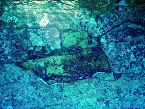 underwater water wall