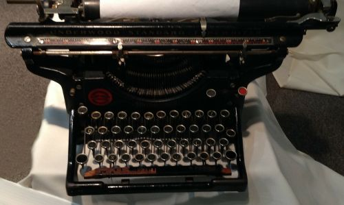 underwood typewriter antique