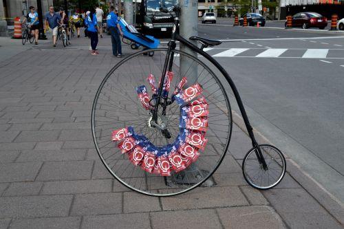unicycle street one