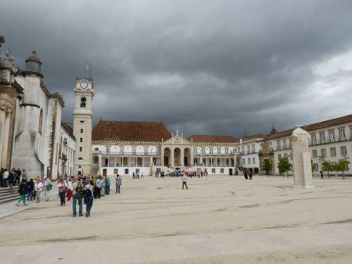 universitetas,coimbra,portugal,Unesco,UNESCO pasaulio paveldo vieta,UNESCO pasaulio paveldas,architektūra,pasaulinis paveldas,rūmai,bokštas,istoriškai,erdvė,paminklas