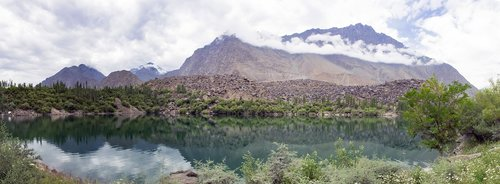 upperkachora  lake  skardu
