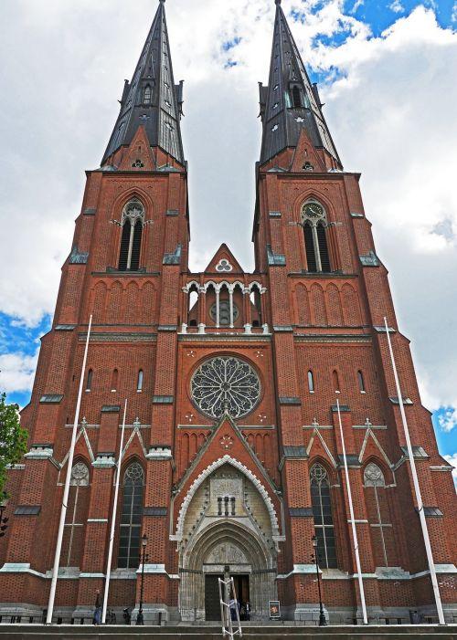 uppsala cathedral main portal towers