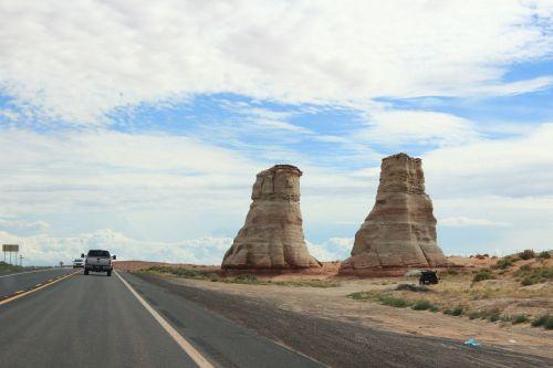 usa road desert