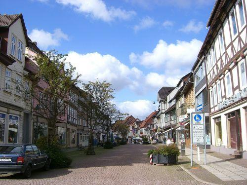uslar shopping street village