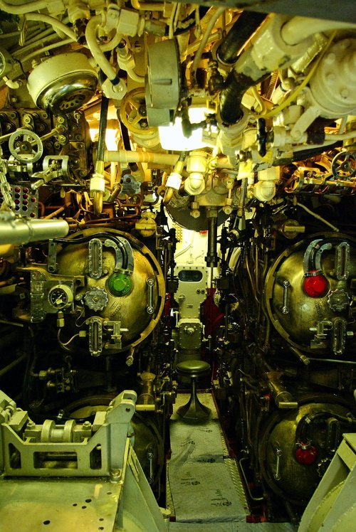 uss razorback torpedo room  submarine  torpedo