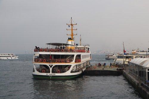 v  ship  passenger