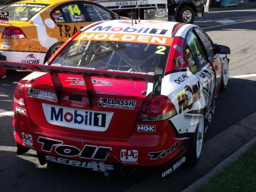 v8 supercars race car crashed