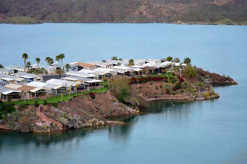 vacation homes colorado river