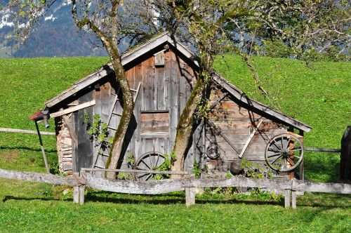 vacation hut alpine hut