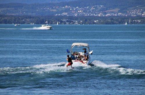 vacations  lake  water