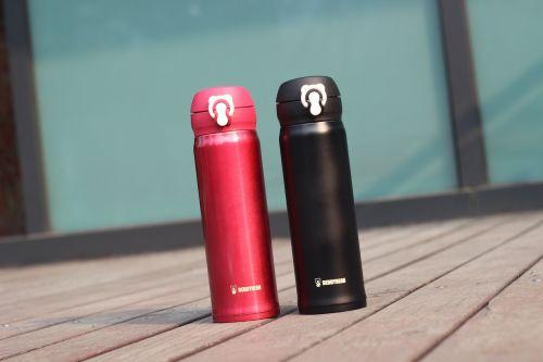 vacuum flask red black