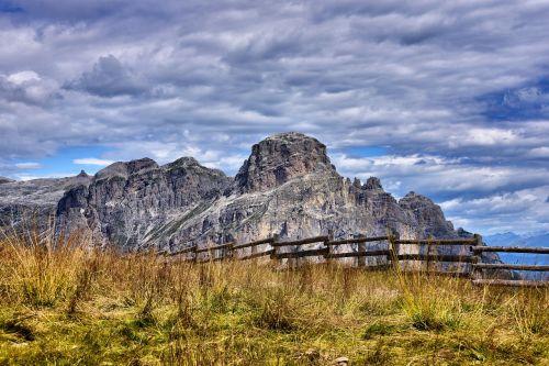 val badia alta badia mountain