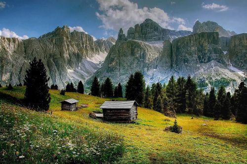 val de mesdi dolomites mountains