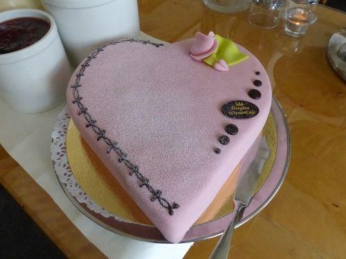 valentine cake marzipan pink
