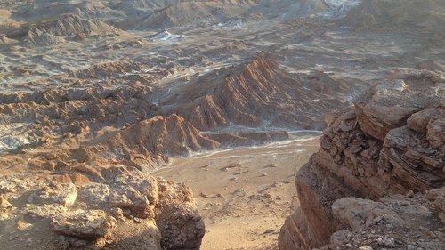 valle de la luna  chile  atacama desert
