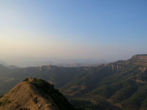 valley landscape mou