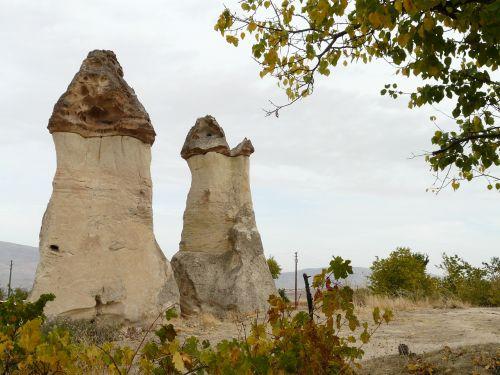 meilės slėnis,fėjų dūmtraukiai,fėjų bokštai,tufa,cappadocia,Turkija,pilis,felspilse,akmeniniai bokštai,kraštovaizdis,gamta