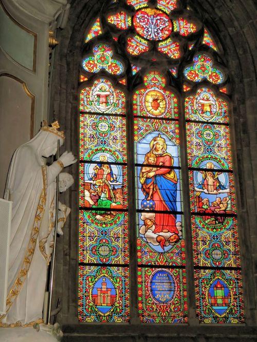 valves morbihan cathedral