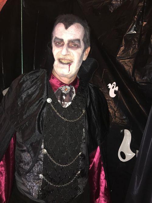 vampire halloween costume halloween