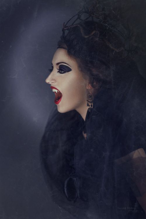 vampire creepy the witch