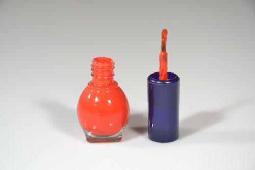 varnish nails nail polish
