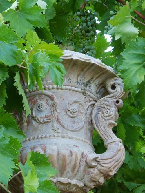vase terracotta old