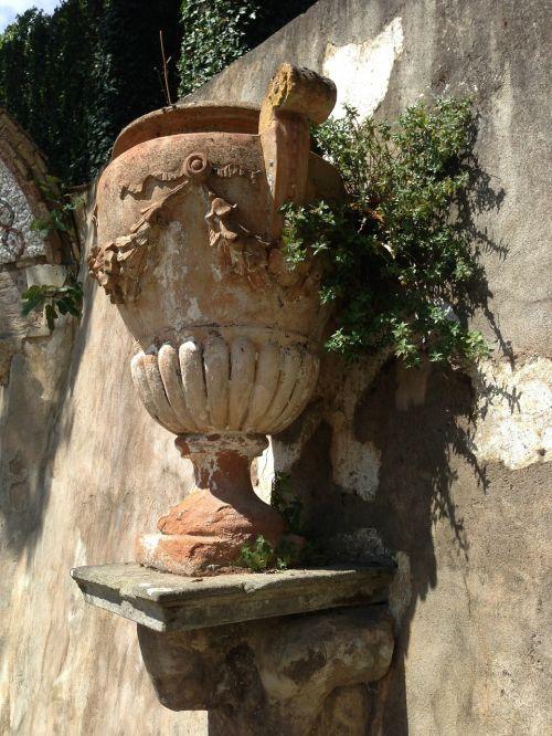 vase florence tuscany