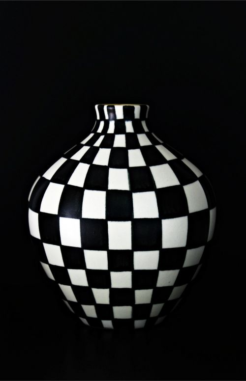 vase hand painting black and white