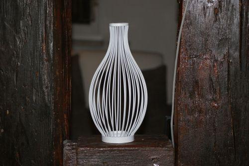 vase metal white