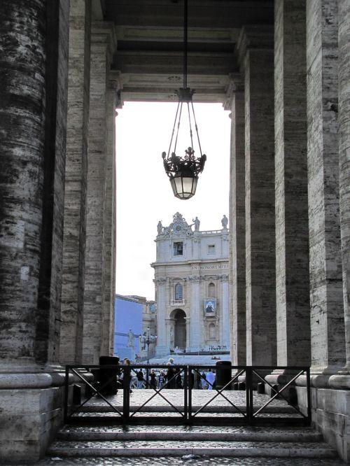 vatican st peter's basilica bernini's colonnade