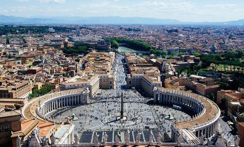 vatican  overlooking  st