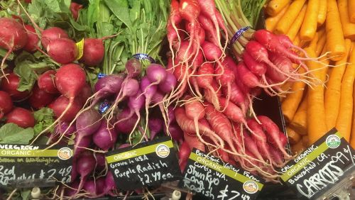 daržovės,turgus,laikyti,sveikas,maistas,ekologiškas,natūralus,šviežios daržovės,ūkininkų turgus,ridikėliai,morkos