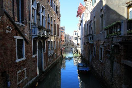 venezia water passages
