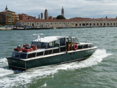 venice channel boat