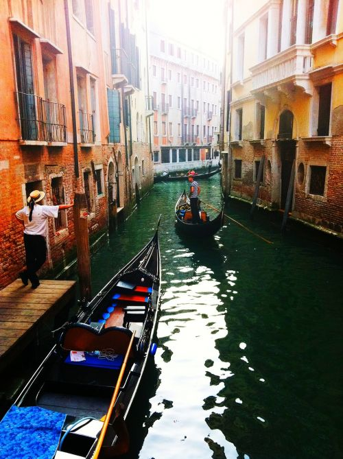 venice gondola channel