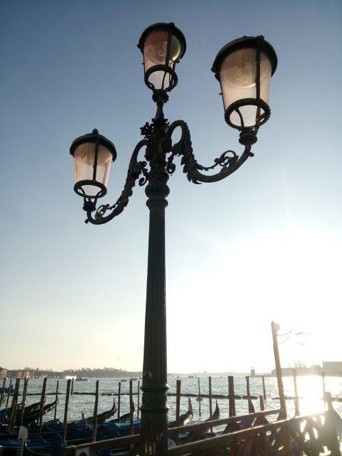 venice lamppost sky