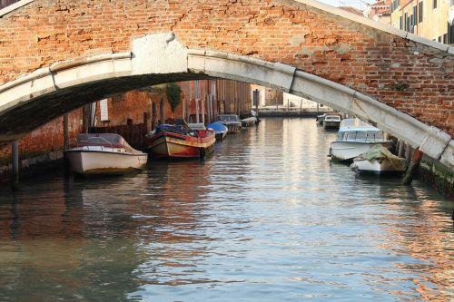 venice bridge channel