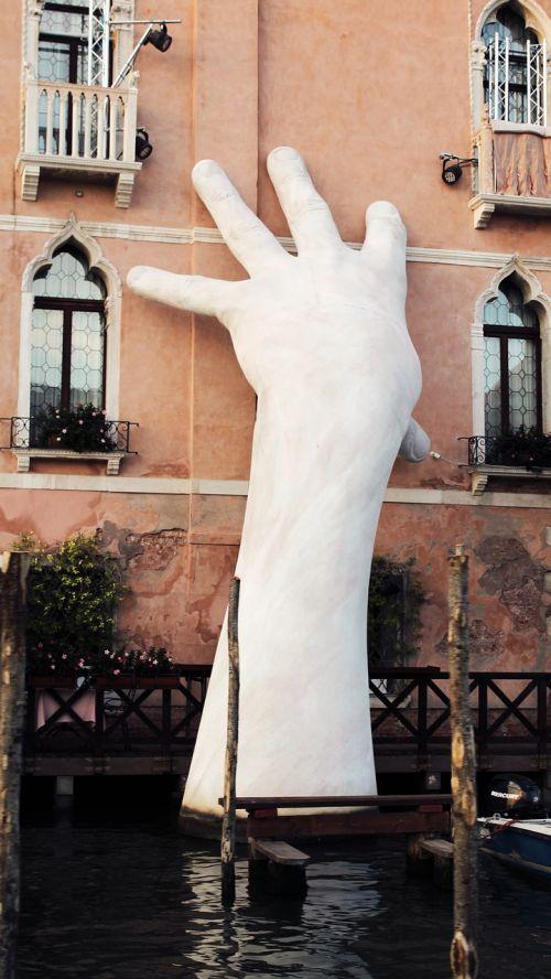 venice 2017 sculpture