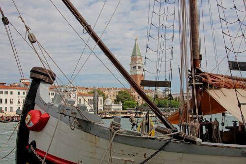 venice ship city