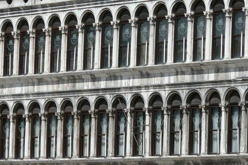 venice  palazzo  front window