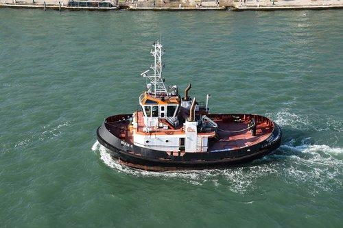 venice  boat  channels