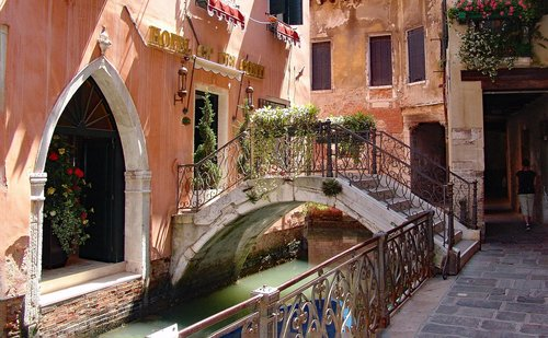 venice  secondary channel  romantic