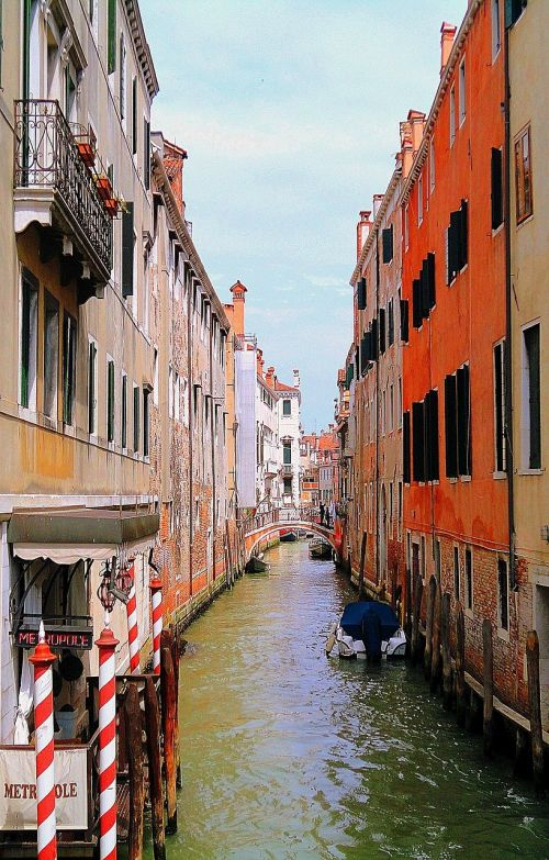 venice channel houses