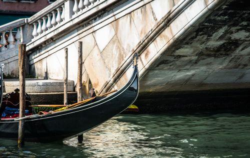 venice gondola rialto bridge water
