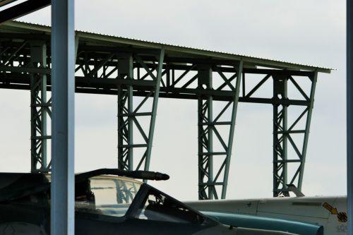 statramsčiai, struktūra, metalas, vertikalus, palaiko, stogas, vertikalūs antbriaunio stogo skersiniai