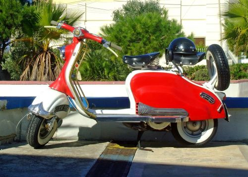 lambretta scooter red scooter