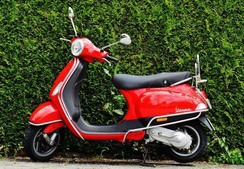 vespa roller motor scooter