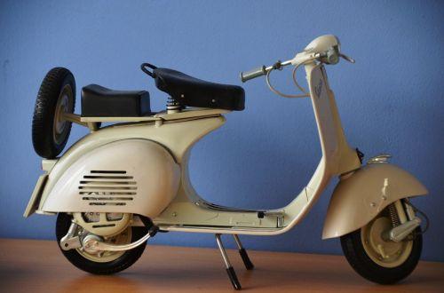 vespa model scooter